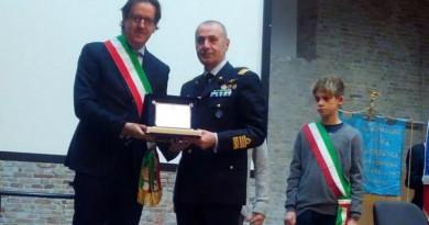 Il generale Roberto Nordio con il sindaco di Chioggia Giuseppe Casson