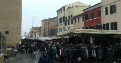 Il mercato di questa mattina in Corso del Popolo
