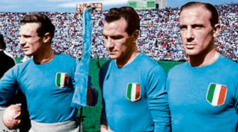 Aldo Ballarin (ultimo a destra) in Nazionale con Mazzola e Loik