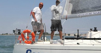 Silvio Sambo durante una regata