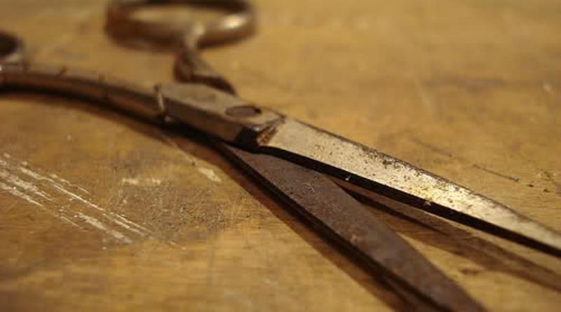Le forbici che venivano usate contro la pagana