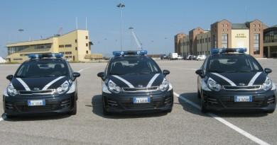 Le auto della Polizia Locale
