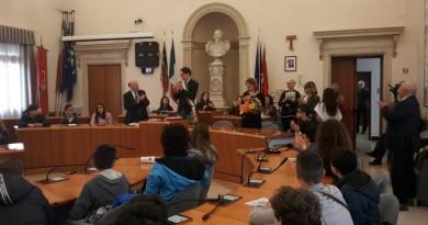"""Gli alunni della """"Bruno Maderna"""" all'incontro con il sindaco"""