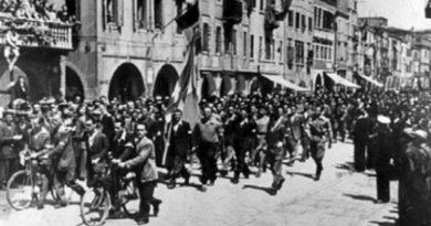 Il corteo della liberazione a Chioggia