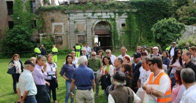 Visita all'interno di Forte S. Felice con i candidati sindaco