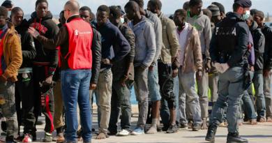 Alcuni profughi in una foto di repertorio
