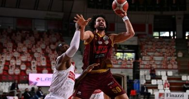 Watt all'ultimo respiro e la Reyer espugna Varese