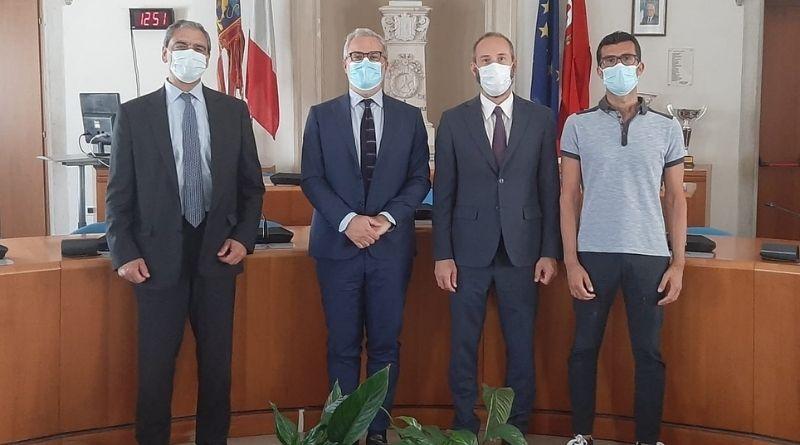 Il presidente dell'Autorità Portuale Di Biasio in visita al sindaco Ferro